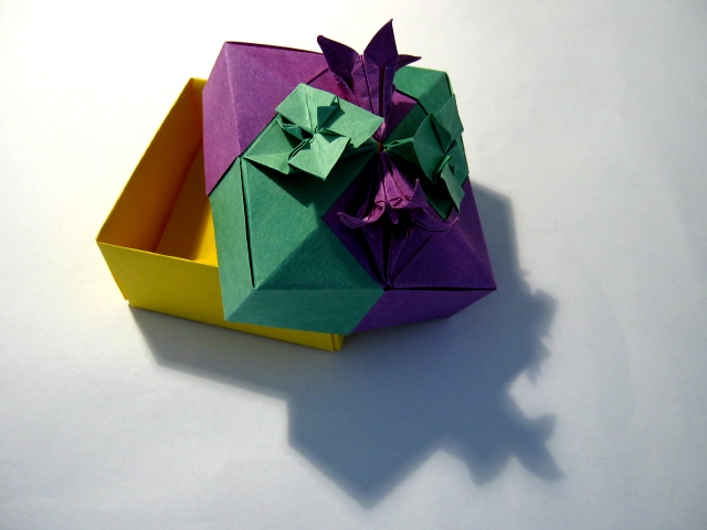 Fabulous Origami Boxes By Tomoko Fuse Happy Folding